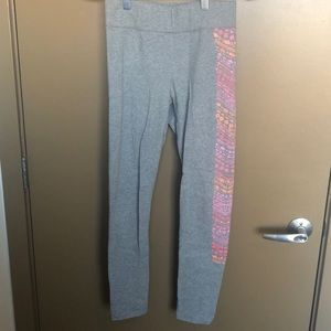 Aerie Small Gray Legging with Detailing